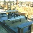 Памятник на площадке из гранита с элементами и балясинами из гранита