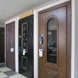 Входные металлические двери с остеклением