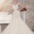 Свадебное платье с аппликацией